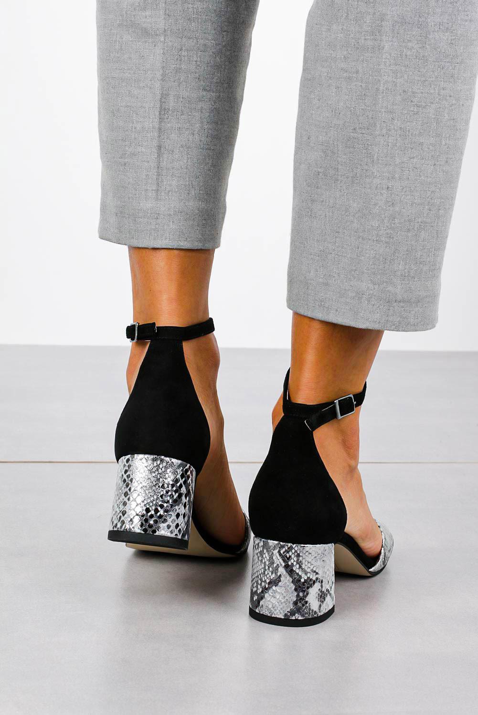 Czarne sandały skórzane z paskiem wokół kostki na szerokim ozdobnym słupku Casu DS-252/A wysokosc_obcasa 5.5 cm