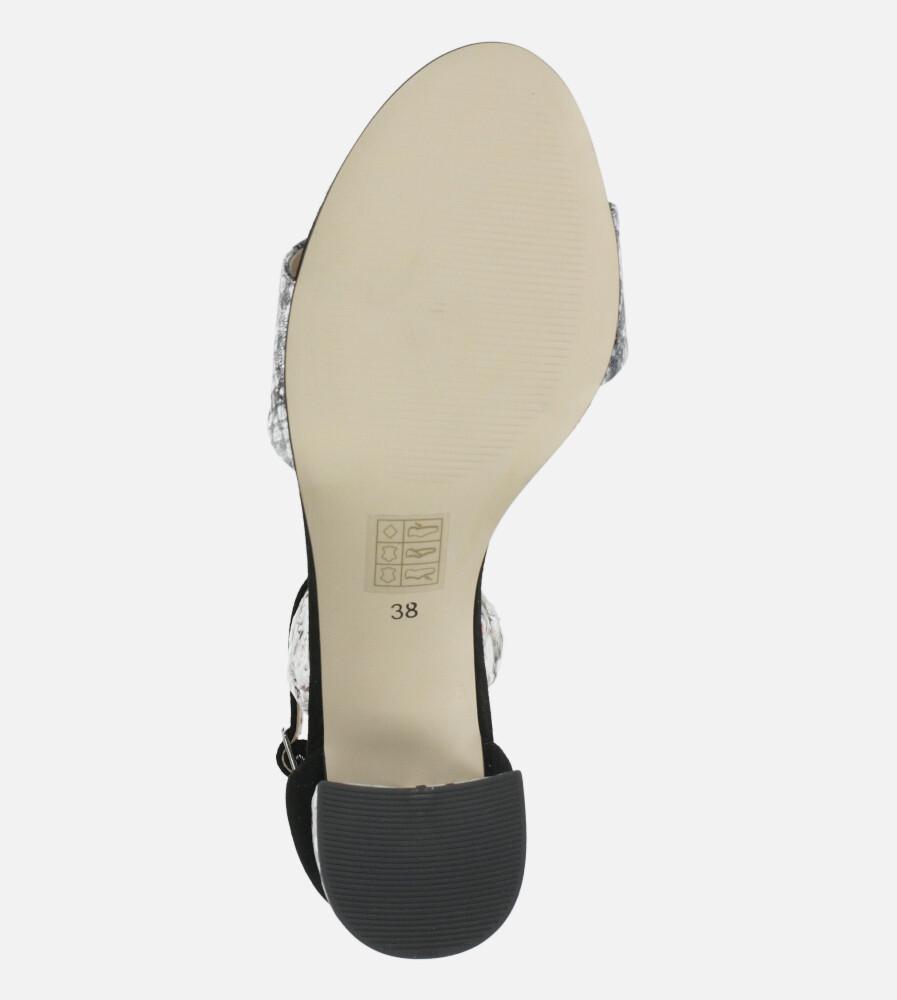Czarne sandały skórzane z paskiem wokół kostki na szerokim ozdobnym słupku Casu DS-252/A wnetrze skóra