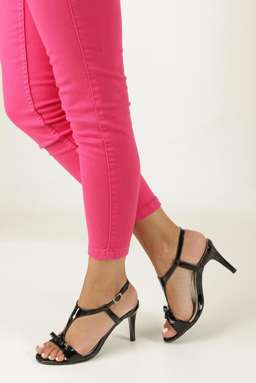 Czarne sandały szpilki lakierowane Jezzi SA124-1 czarny