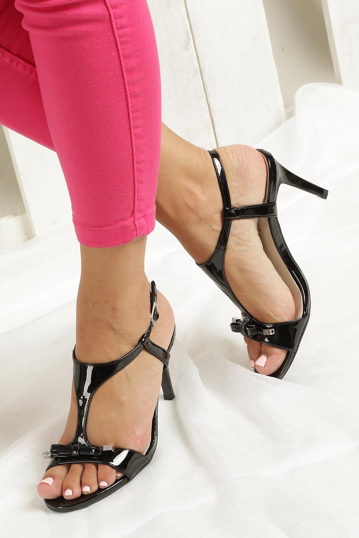 Czarne sandały szpilki lakierowane Jezzi SA124-1 wkladka skóra