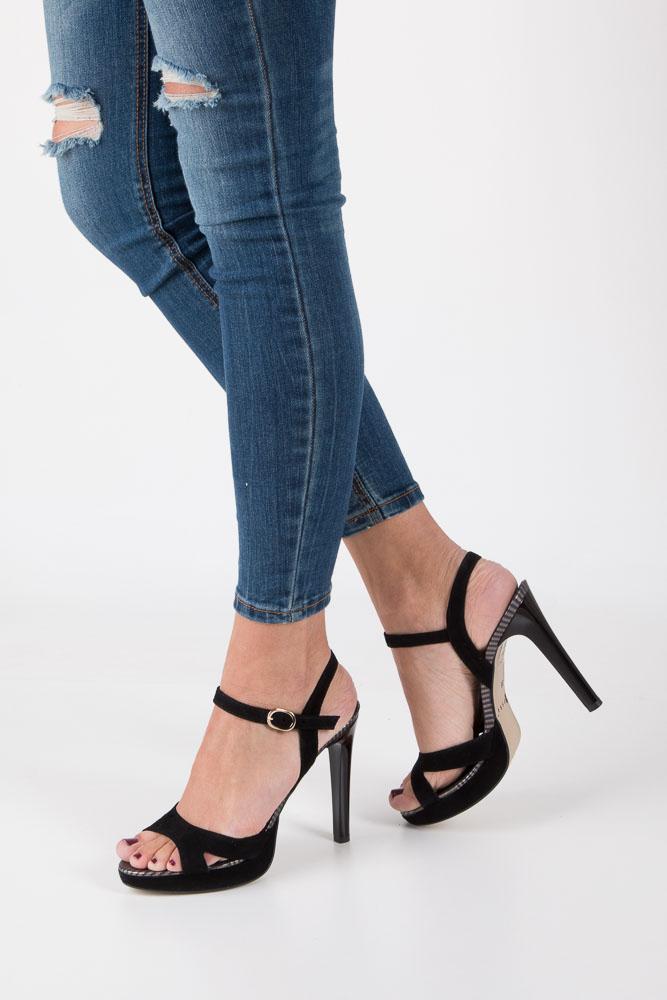 Czarne sandały szpilki skórzane Nessi 18384 czarny
