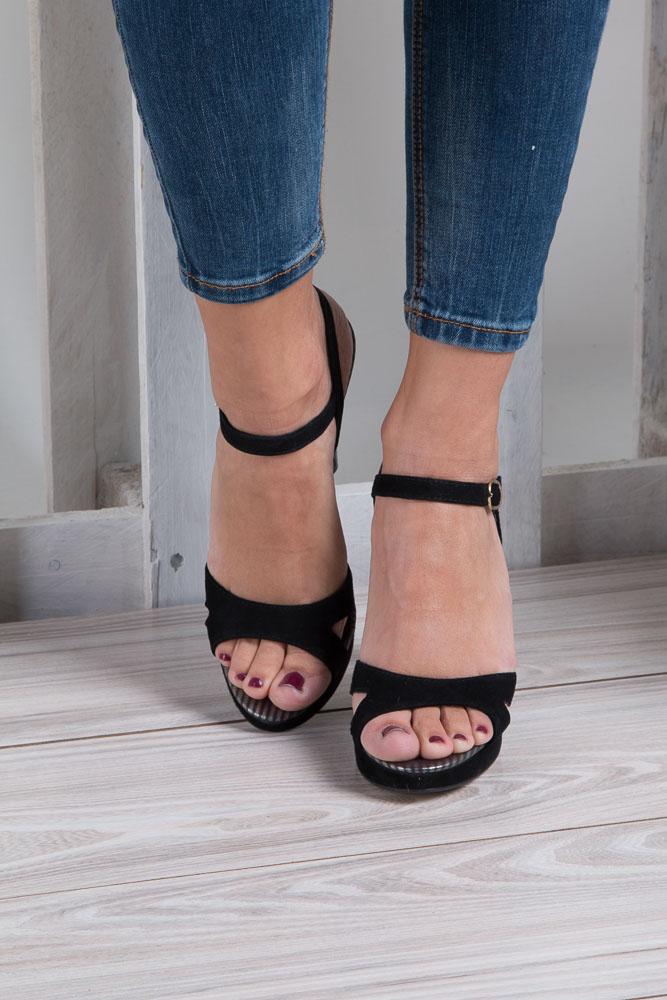Czarne sandały szpilki skórzane Nessi 18384 wkladka skóra