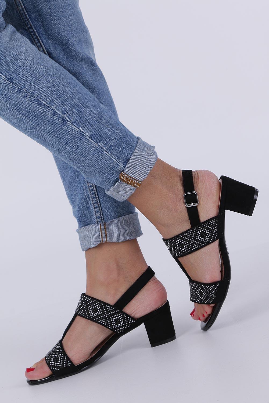 Czarne sandały z nitami na szerokim niskim słupku Sergio Leone SK799 kolor czarny