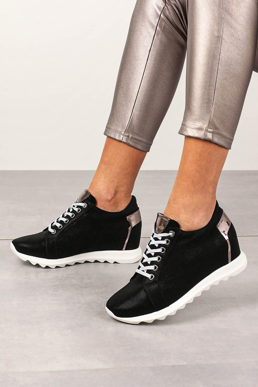 Czarne sneakersy Jezzi na ukrytym koturnie sznurowane ASA170-1