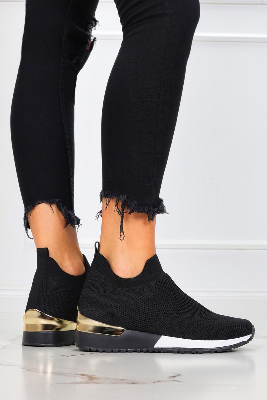 Czarne sneakersy na koturnie buty sportowe wsuwane Casu B-07 czarny