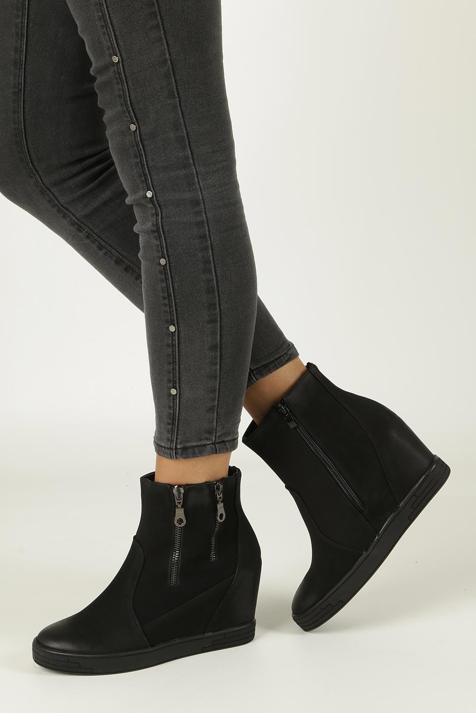 Czarne sneakersy na koturnie z ozdobnymi suwakami Sergio Leone 28354 model 28354