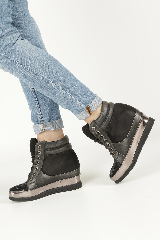 Czarne sneakersy sznurowane z kryształkami Sergio Leone 27209