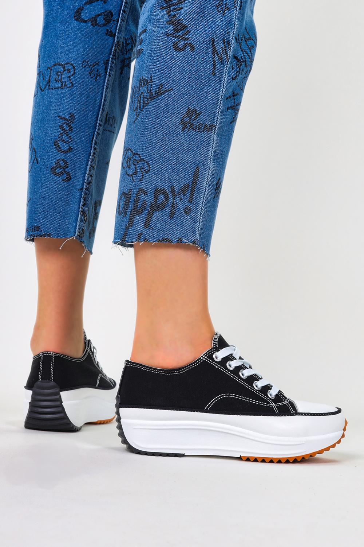 Czarne trampki na platformie buty sportowe sznurowane Casu 205116 czarny