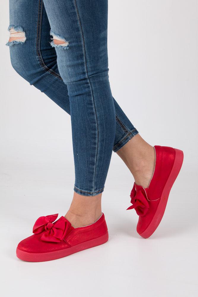 Czerwone półbuty slip on z kokardą Casu B859-19 czerwony