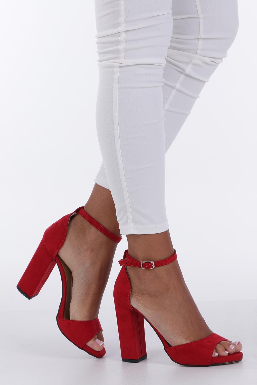 46955ca772f2b Czerwone sandały na szerokim słupku z zakrytą piętą i paskiem wokół kostki  Casu 1590 ...