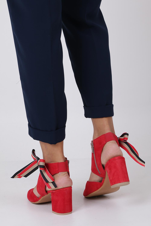 Czerwone sandały skórzane zabudowane z kokardą na słupku Maciejka 04038-08/00-5 wysokosc_obcasa 7 cm