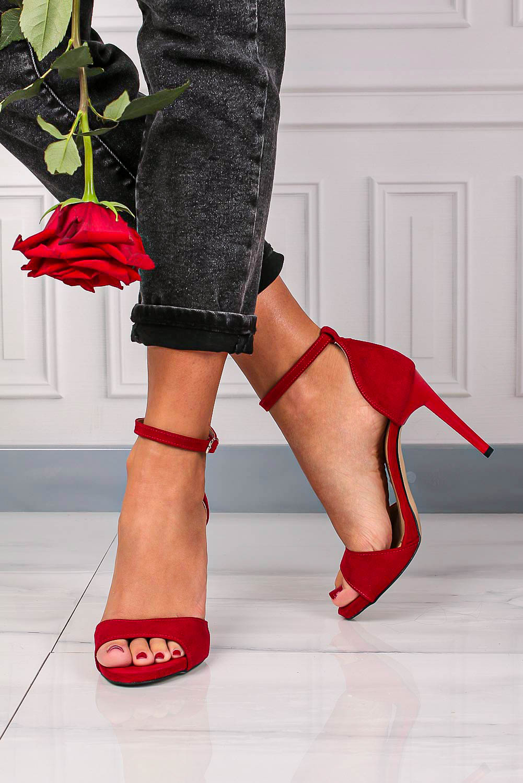 Czerwone sandały szpilki z zakrytą piętą i paskiem wokół kostki Casu 1590/1 sezon Lato