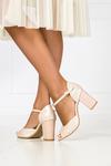 Beżowe sandały perłowe z zakrytą piętą polska skóra Casu 2367