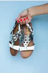 Białe lekkie sandały płaskie ażurowe błyszczące Casu K19X14/WS biały