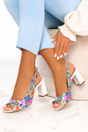 Wielokolorowe sandały lakierowane w kwiaty na słupku polska skóra Casu 2063 multi kolor