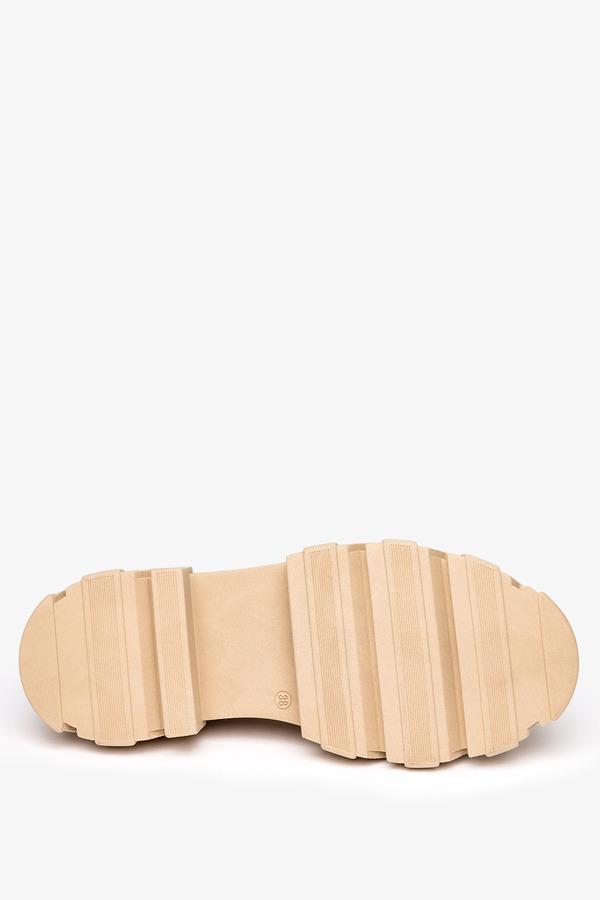 Beżowe mokasyny na platformie półbuty ze złotym łańcuchem polska skóra Casu 08251/2132/00/00/003 beżowy