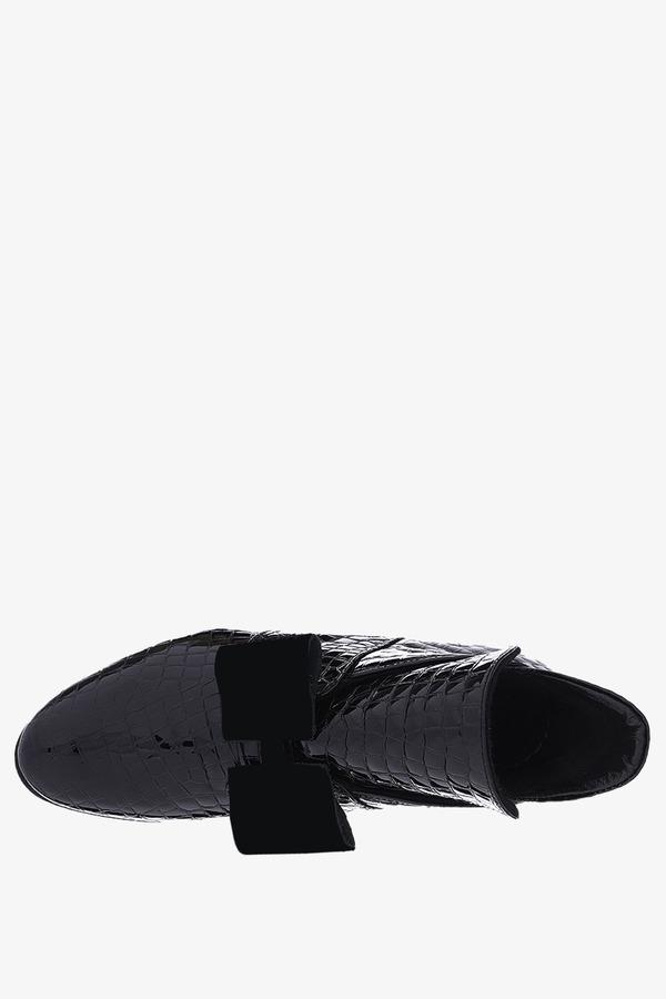 Czarne botki lakierowane na niskim obcasie z kokardą krokodyli wzór polska skóra Casu 4046Z