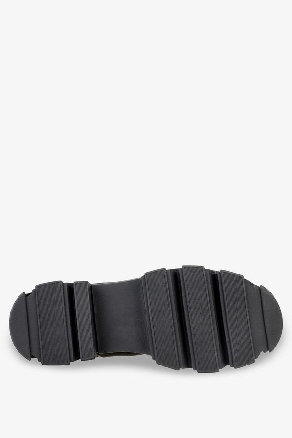 Czarne botki workery na platformie z gumkami po bokach Casu G212X13-B