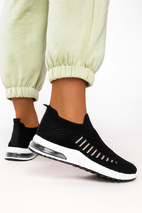 Czarne buty sportowe slip on Casu 7044-1 czarny
