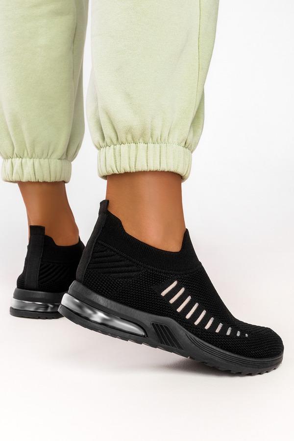 Czarne buty sportowe slip on Casu 7044-2 czarny