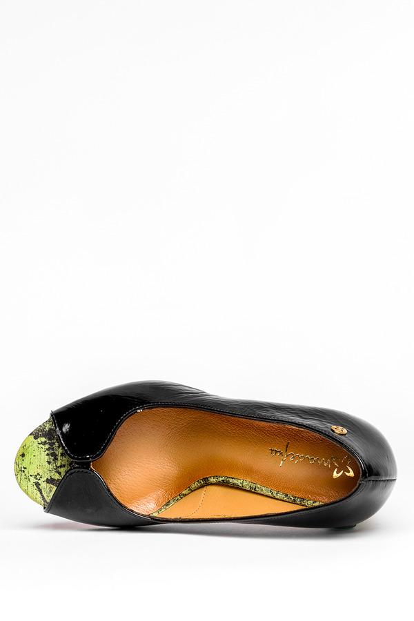 Czarne czółenka Maciejka lakierowane peep toe na ozdobnym słupku polska skóra 05045-01/00-1 czarny
