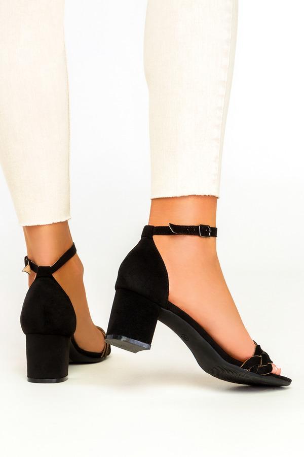 Czarne sandały na słupku z zakrytą piętą wzorek plecionki Casu ER21X13/B czarny