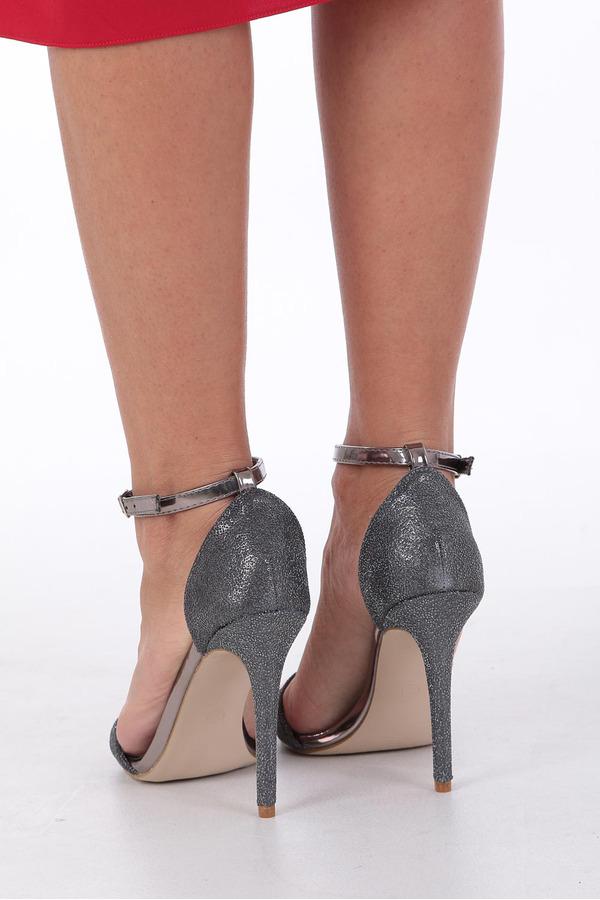 Czarne sandały szpilki karnawałowe brokatowe z paskiem wokół kostki Casu czarny