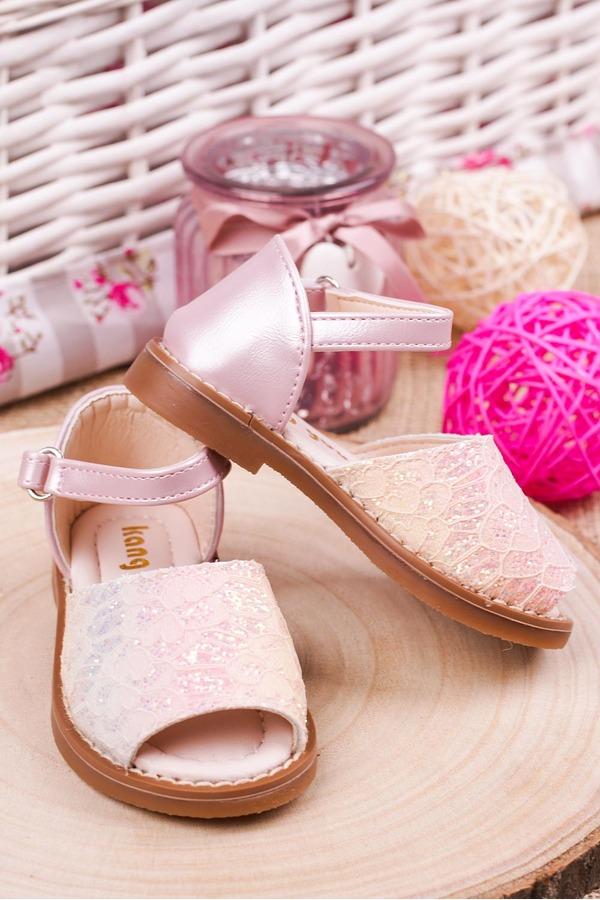 Różowe sandały brokatowe na rzep z zakrytą piętą Casu 1051-1 różowy