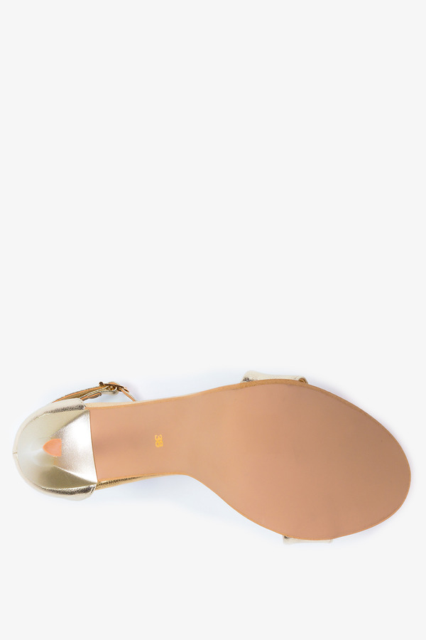 Złote sandały szpilki błyszczące z zakrytą piętą pasek wokół kostki polska skóra Casu 2613-0/8
