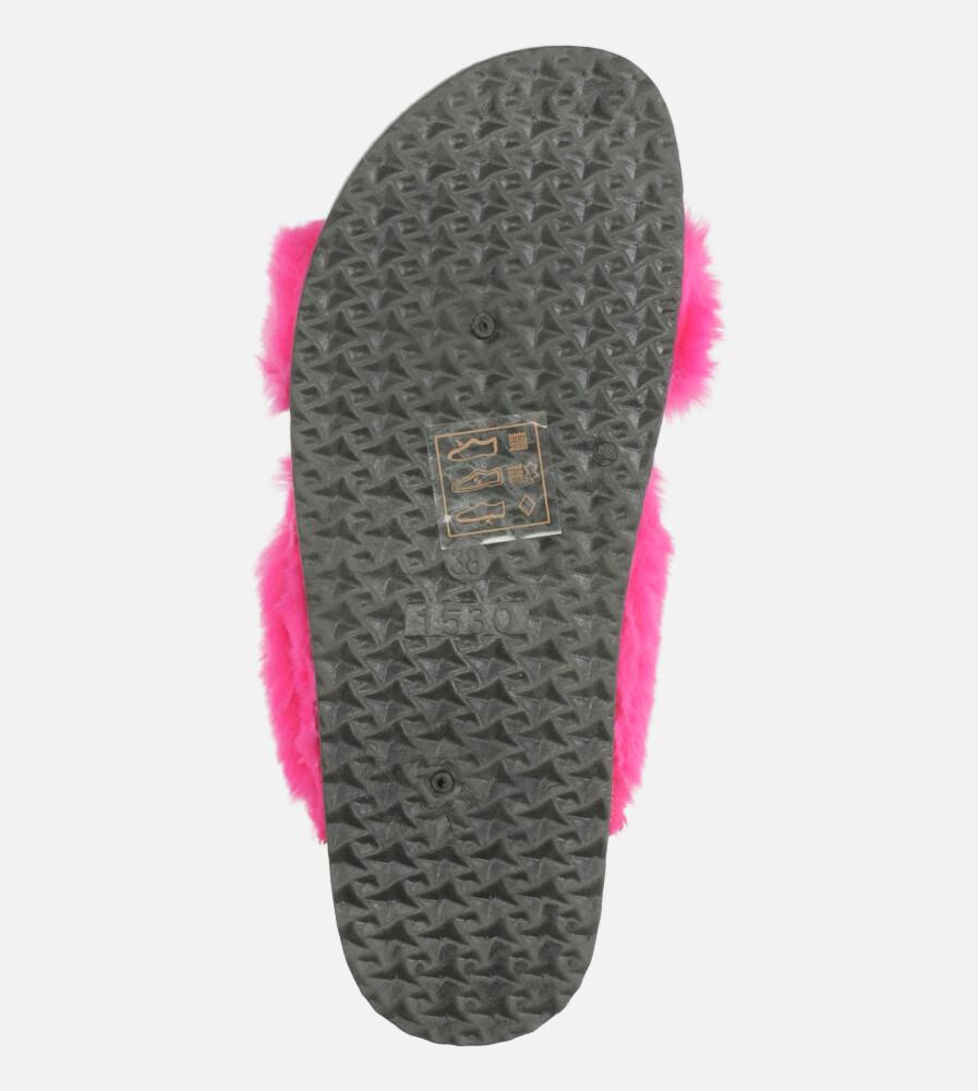 Fuksjowe klapki z futerkiem ze skórzaną wkładką i profilowaną korkową podeszwą Casu H20X2/F kolor fuksja