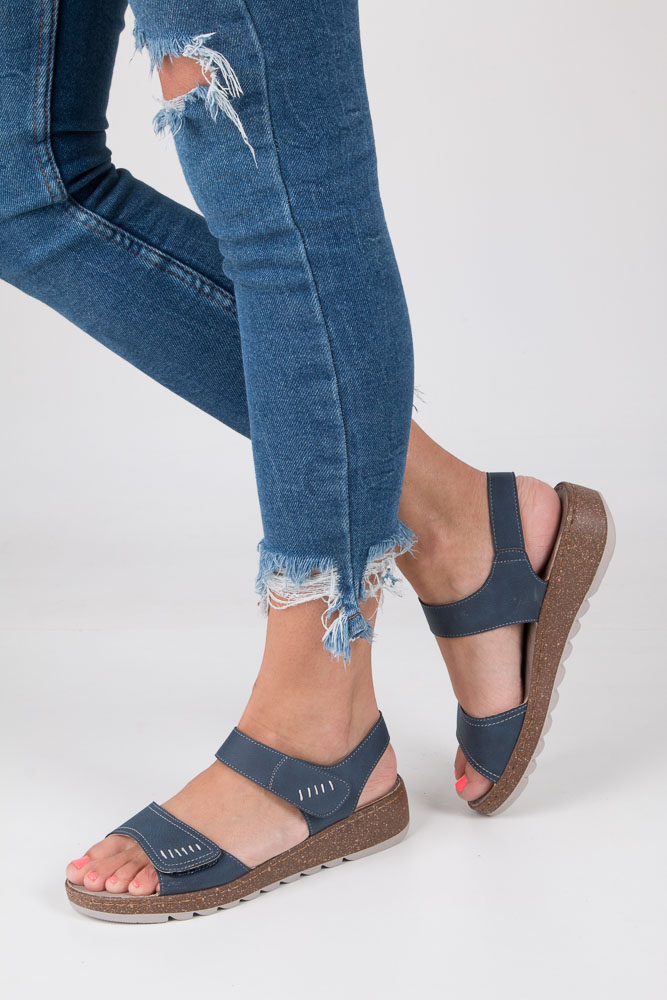 Granatowe sandały na koturnie S.Barski 23-X1