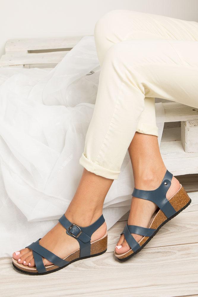 Granatowe sandały ze skórzaną wkadką na koturnie z korka Casu B18X5/N wnetrze skóra ekologiczna