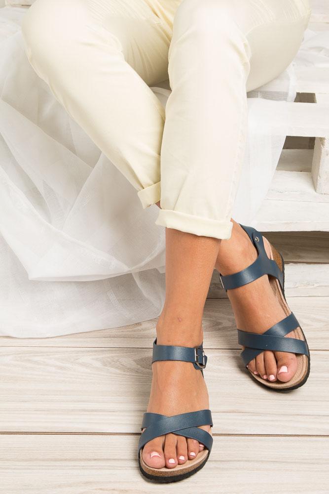 Granatowe sandały ze skórzaną wkadką na koturnie z korka Casu B18X5/N wkladka skóra