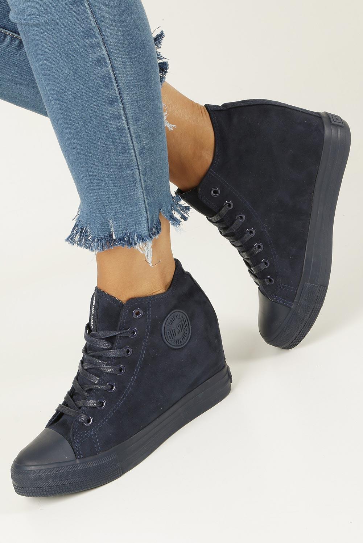Granatowe sneakersy trampki sznurowane na koturnie Big Star BB274089 granatowy