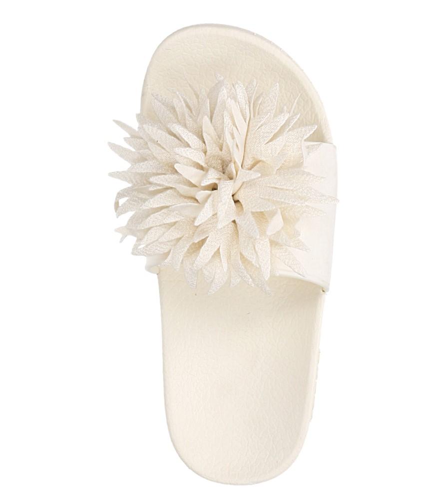 Kremowe klapki z kwiatkiem Casu 236 kolor kremowy