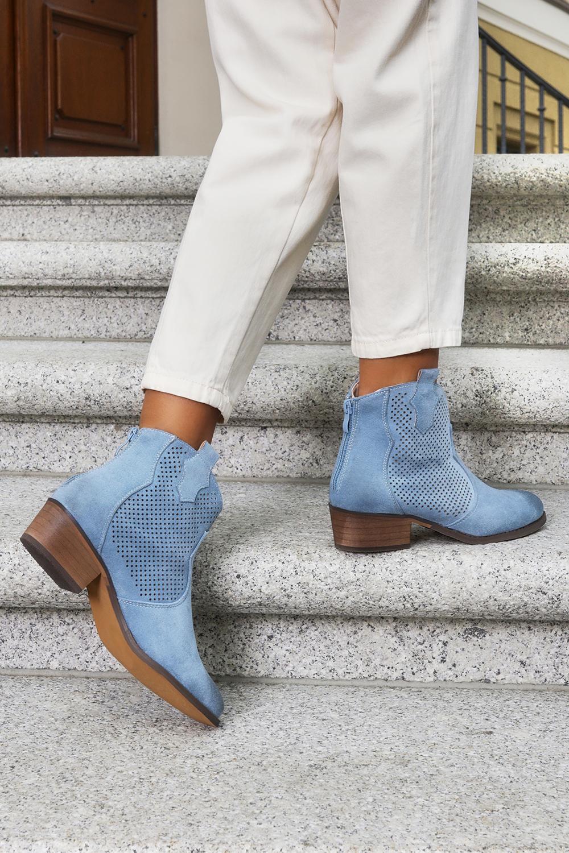 Niebieskie botki kowbojki ażurowe z zamkiem na pięcie Casu G21X3/BL