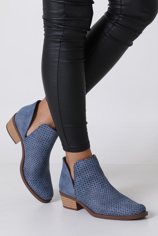 Niebieskie botki sztyblety wiosenne ażurowe Jezzi MAM60-70 niebieski