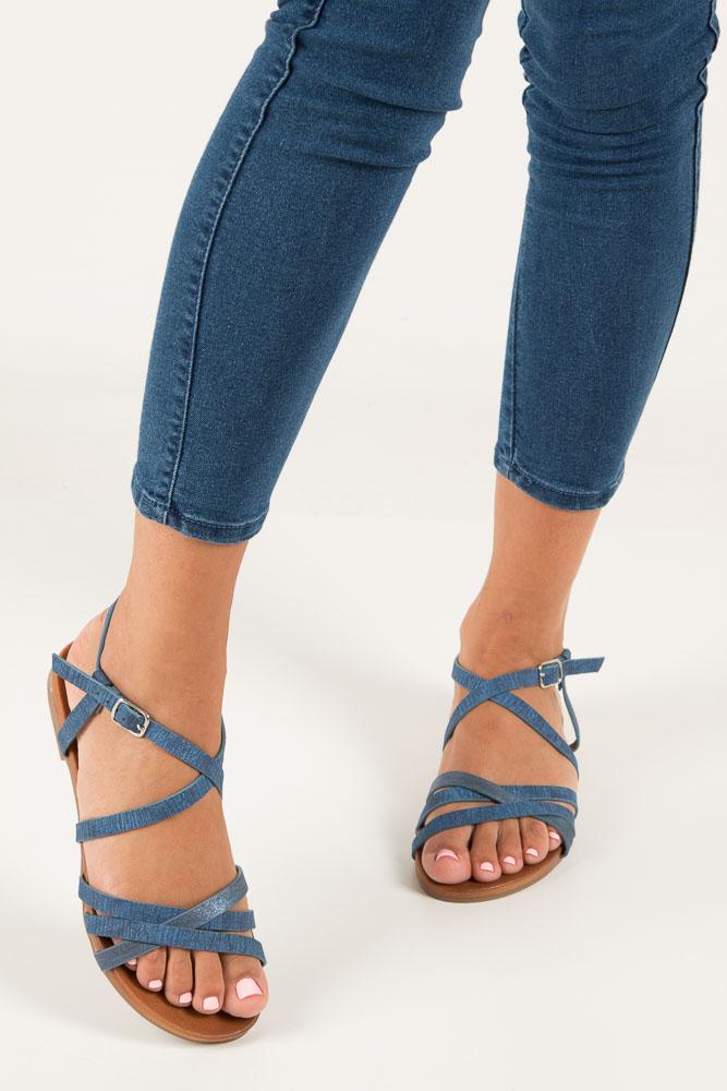 Niebieskie lekkie sandały płaskie z paskami trzymającymi stopę Casu K18X4/BL wierzch skóra ekologiczna