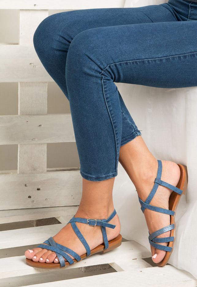 Niebieskie lekkie sandały płaskie z paskami trzymającymi stopę Casu K18X4/BL wnetrze skóra ekologiczna