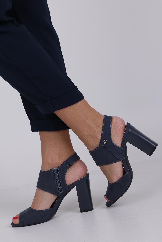 Niebieskie sandały na słupku ze skórzaną wkładką Jezzi ASA109-10 kolor ciemny niebieski