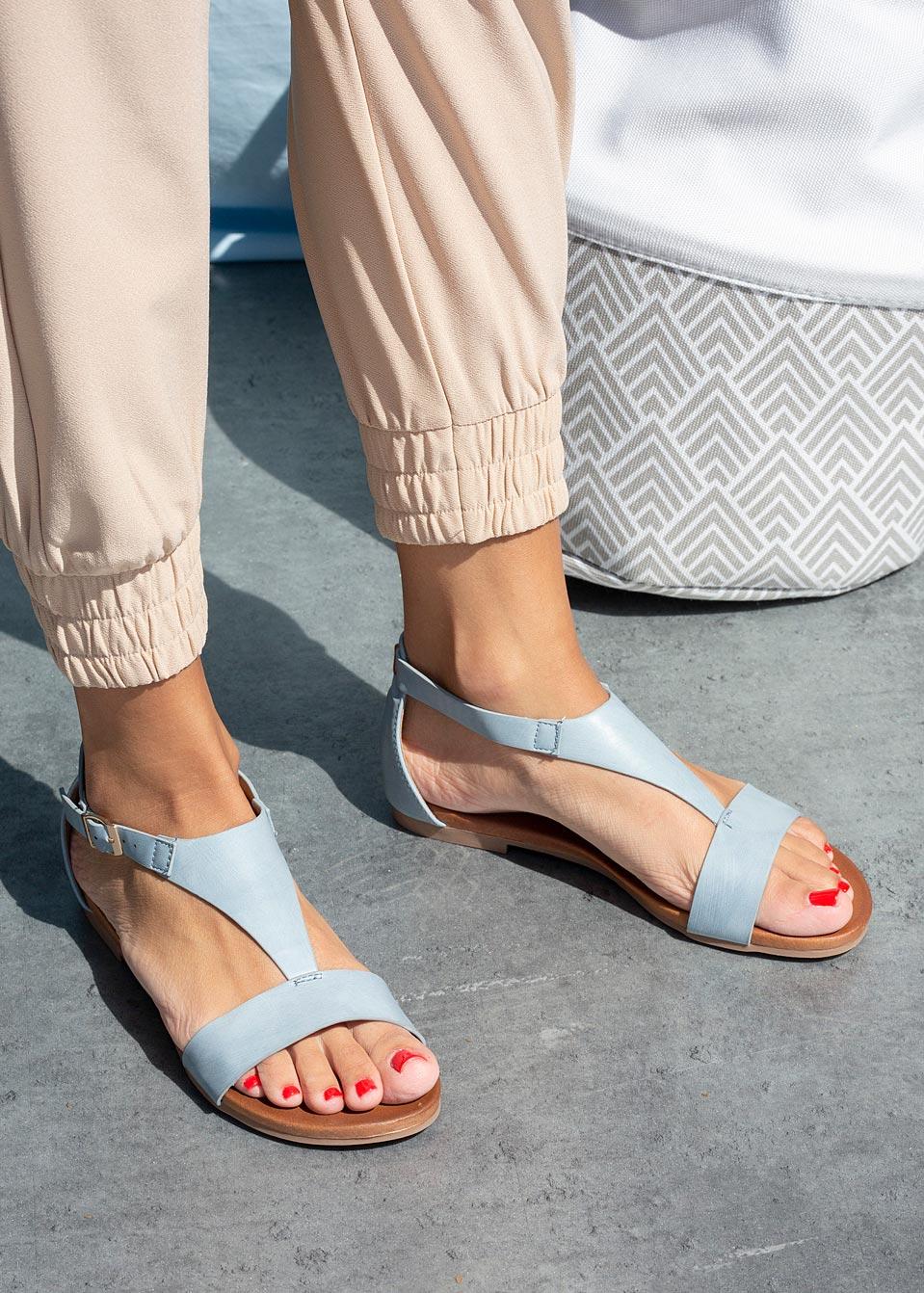 Niebieskie sandały płaskie z zakrytą piętą Casu K20X4/BL model K20X4/BL