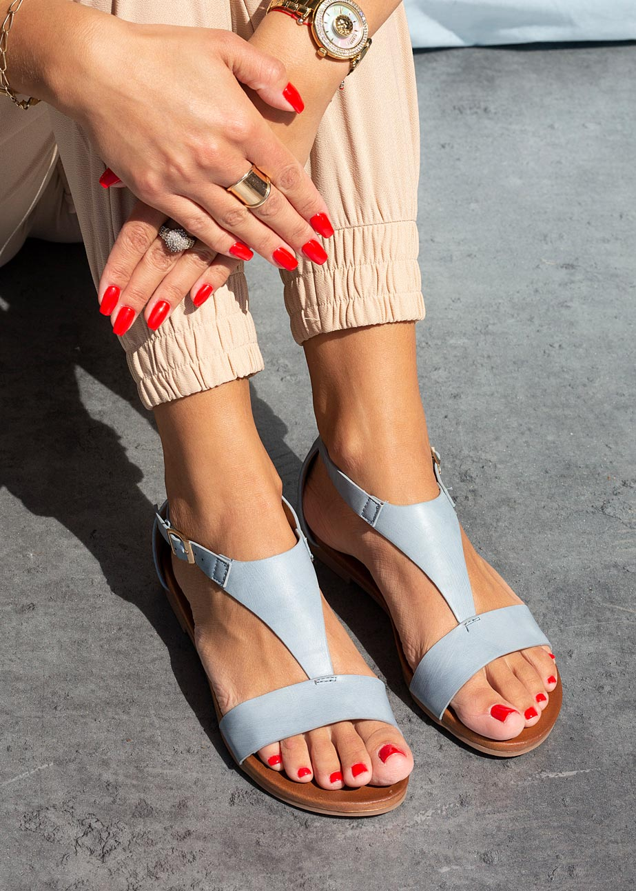 Niebieskie sandały płaskie z zakrytą piętą Casu K20X4/BL sezon Lato