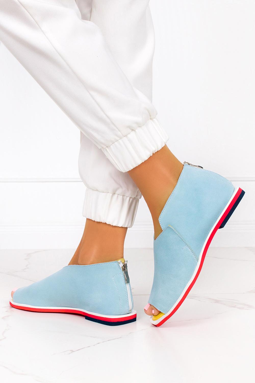 Niebieskie sandały zabudowane z zamkiem na pięcie polska skóra Casu 4080