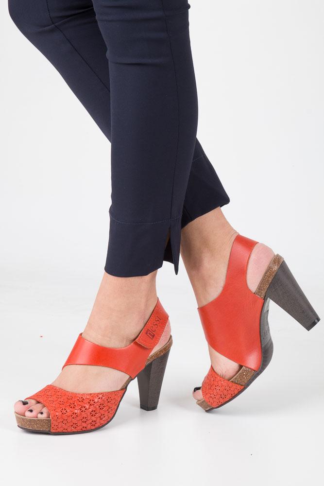 Pomarańczowe sandały skórzane na słupku Nessi 42103