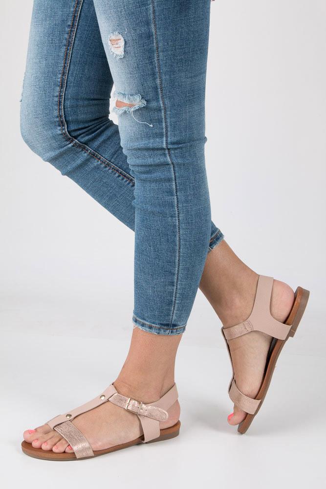 Pudrowe nude lekkie sandały damskie płaskie z paskiem przez środek Casu K18X1/P model K18X1/P