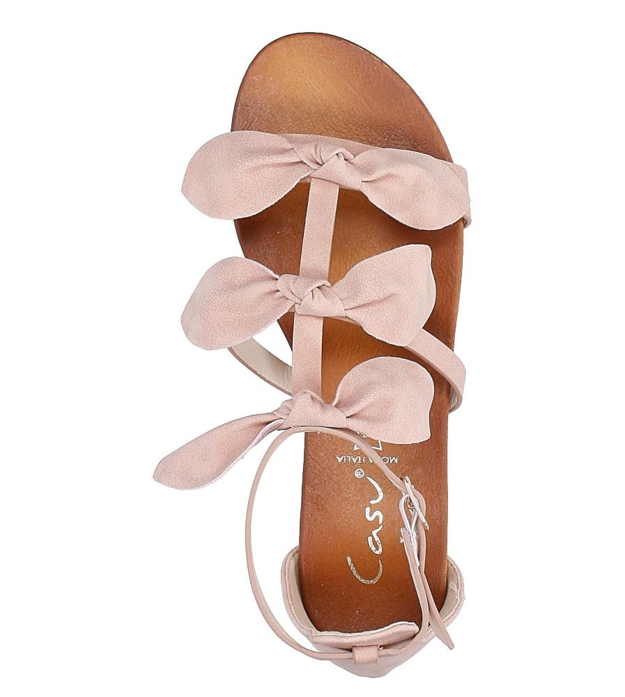 Pudrowe płaskie sandały z kokardkami z zakrytą piętą Casu K18X14/P wysokosc_platformy 2 cm