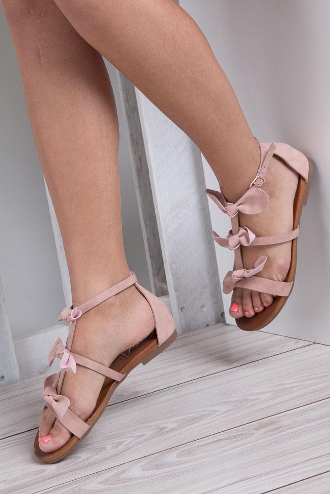 Pudrowe płaskie sandały z kokardkami z zakrytą piętą Casu K18X14/P wnetrze skóra ekologiczna