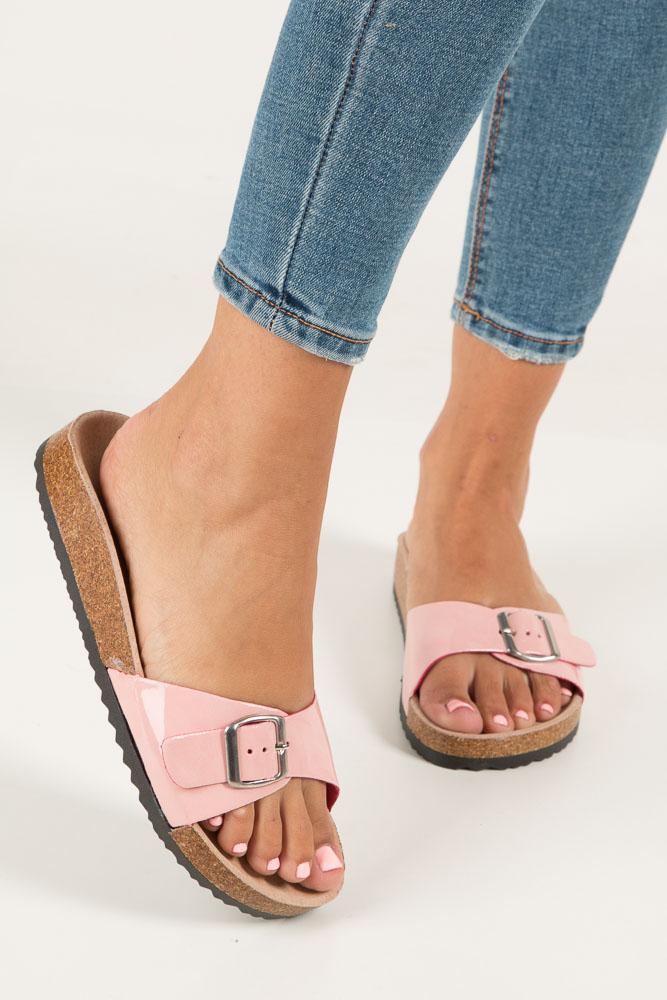 Różowe klapki damskie z jednym paskiem z komfortową skórzaną wkładką i profilowaną korkową podeszwą Casu B18X3/PP wierzch skóra ekologiczna- lakier
