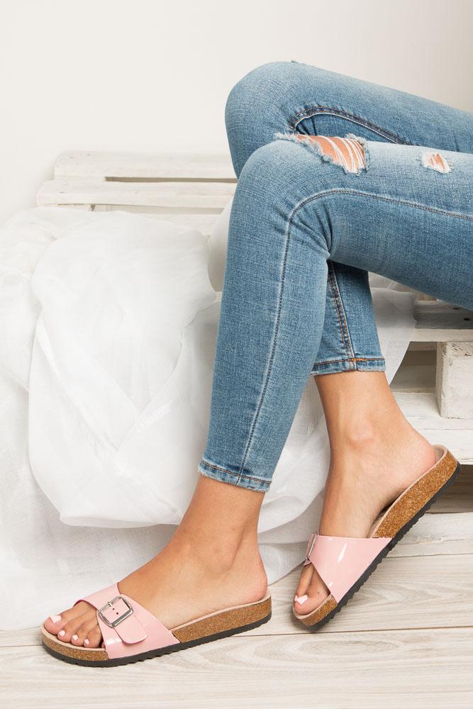 Różowe klapki damskie z jednym paskiem z komfortową skórzaną wkładką i profilowaną korkową podeszwą Casu B18X3/PP wnetrze skóra ekologiczna