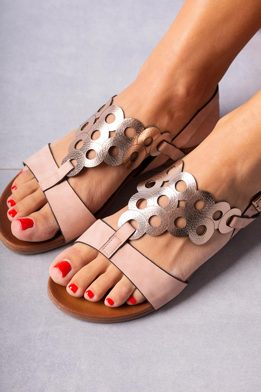 Różowe lekkie sandały płaskie ażurowe błyszczące Casu K19X14/P